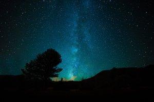 Faszinierende Astronomie mit Reiseführer: Der Nachthimmel wird erklärt und zum besonderen Erlebnis