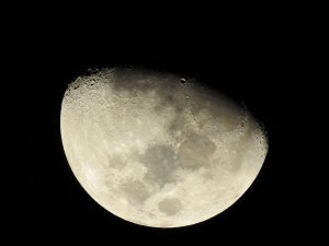 Mond mit Krater Copernicus an der Schattengrenze