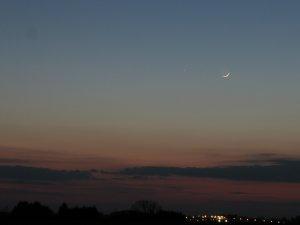 Merkur und Mond am 06. Mai 2008 in der Abenddämmerung