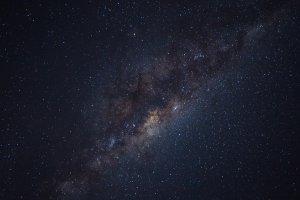 Blick zum Nachthimmel: Emissionsnebel mit dem Teleskop beobachten