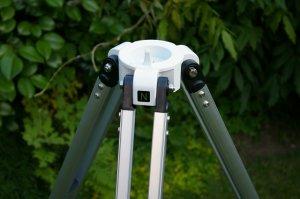 Das Stativ trägt die Montierung und das Teleskop