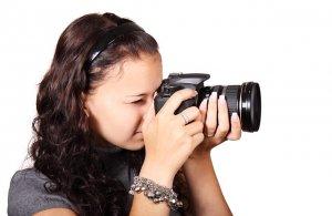 Schnelle und langsame Optiken werden mit dem aus der Fotografie bekannten Blendenwert f/x unterschieden