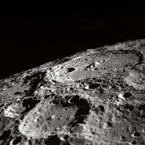 Mondkrater aufsuchen und beobachten